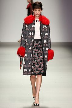 Holly Fulton Fall 2015 Ready-to-Wear - Collection - Gallery - Style.com http://www.style.com/slideshows/fashion-shows/fall-2015-ready-to-wear/holly-fulton/collection/23