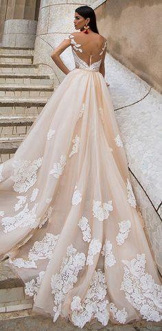 Chic Tulle & Satin Bateau Neckline Sheath Wedding Dresses With Lace Appliques