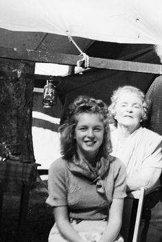 """"""" Norma Jeane in New Jersey with her beloved Aunt, Ana Lower, 1939 """""""