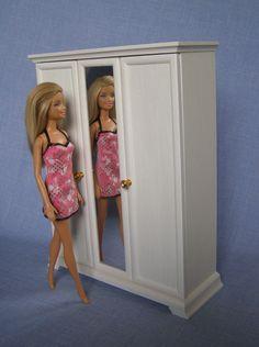 stampika blog barbie haus rohbau und badezimmer barbie haus diy pinterest barbie barbie. Black Bedroom Furniture Sets. Home Design Ideas