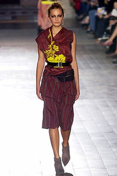 Dries Van Noten Spring 2003 Ready-to-Wear Collection Slideshow on Style.com 5