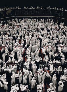 Kuwait, Stock Exchange, 2000 C-Print 280 x 200 x cm Copyright: Andreas Gursky / VG Bild-Kunst, Bonn Courtesy: Monika Spruth Philomene Magers, Koln Munchen London Andreas Gursky, Contemporary Photography, Urban Photography, Color Photography, Contemporary Art, Photography Magazine, Photoshop, Karl Hofer, Horst Janssen