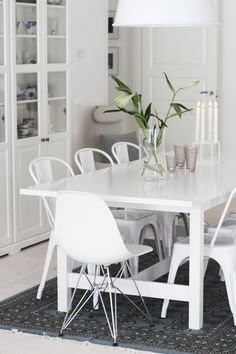 Big white table via http://myhomeandlifestyle.blogspot.se