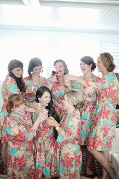 Bridesmaids guide Plan your wedding event because it may be fully rested prior to the event. This method for you to be ready every morning without awakening early and being exhausted. Bridesmaid Dress Styles, Bridesmaid Robes, Bridesmaid Flowers, Wedding Dresses, Bridesmaids, Wedding Pics, Wedding Bells, Wedding Styles, Dream Wedding