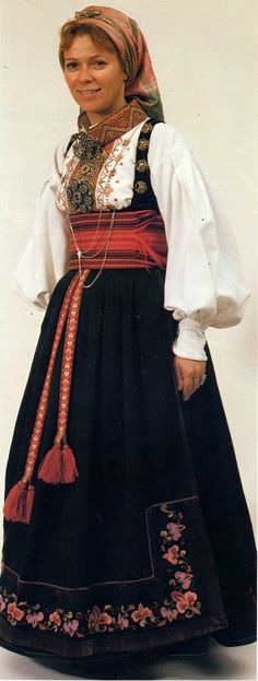 Hello all, today I am returning to Telemark, one of the richest provinces in terms of folk art and costume in Norway. Telemark has. Folk Costume, Costumes, Summer Outfits Women, Norway, Dressing, Sari, Street Style, Womens Fashion, Sweden