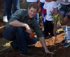 Prince Harry weeps with Brazilian kids when recalling his mother's 1997 death