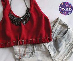 Cropped tricot com detalhe em crochet e couro - coleção Hello Summer - insta @simstore_oficial