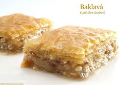 Baklavá (Arabic cakes) - Pastry World Small Desserts, Köstliche Desserts, Delicious Desserts, Dessert Recipes, Sweet Cooking, Cooking Chef, Easy Cooking, Arabic Dessert, Arabic Sweets