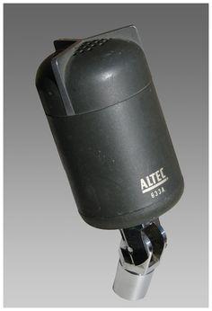 Altec Models 633A moving coil dynamic microphones - www.remix-numerisation.fr - Rendez vos souvenirs durables ! - Sauvegarde - Transfert - Copie - Digitalisation - Restauration de bande magnétique Audio - MiniDisc - Cassette Audio et Cassette VHS - VHSC - SVHSC - Video8 - Hi8 - Digital8 - MiniDv - Laserdisc - Bobine fil d'acier