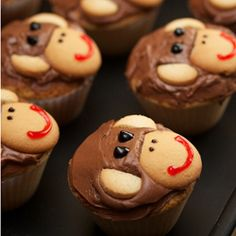 Monkey Cupcakes. Great idea for my sister's Jungle themed baby shower.