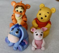 Find amazing Winnie the Pooh Cake and Cupcakes Decorating Ideas. Create your unique Winnie the Pooh Cake and Cupcakes. Winnie Pooh Torte, Piglet Winnie The Pooh, Winnie The Pooh Birthday, Pooh Bear, Eeyore, Fondant Figures, Fondant Cake Toppers, Cupcake Cakes, Fondant Baby