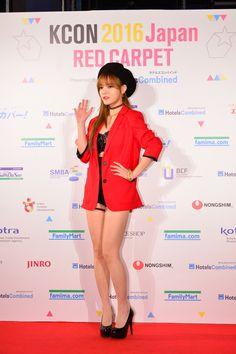 """ジミン「KCON 2016 Japan」4/10(日)レッドカーペットに登場!""""ソロで緊張した表情"""""""