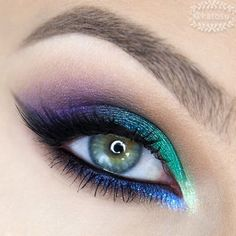 A close up view of my colorful look from previous posts  I used @sennacosmetics brow powder in Ash, @toofaced Semi Sweet Chocolate palette, @zoevacosmetics Cream Eye Liner in Baroque, Graphic Eyes pencils in Glance and Black To Earth, eyeshadows from Love Is A Story and Retrofuture palettes, @inglot_cosmetics loose eyeshadow in nr 113, @makeupgeektv eyeshadows in Houdini and Caitlin Rose, @chaosmakeupartist highlighter in Maryjane