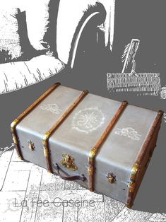See related links to what you are looking for. Decoupage Suitcase, Suitcase Decor, Shabby Chic Crafts, Shabby Chic Kitchen, Diy Projects For Teens, Diy For Teens, Steampunk Bedroom, Deco Originale, Workshop