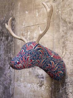 Softheads son divertidos trofeos de caza hechos de tela en diferentes estampados, modelos y tamaños. Son Made in Barcelona y este año se estrenan en el Festivalet. 14-15 Diciembre 2013 Bcn www.festivalet.org