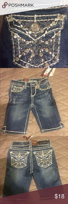 LA Idol girls burmuda shorts NWT NWT size 7, waist 22, length 7.5 Bottoms Shorts
