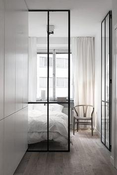 Bedroom / Fantastic Frank