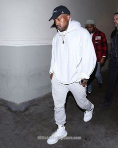 Here is Yeezy Outfit Gallery for you. Yeezy Outfit ways to wear adidas yeezy 350 boost sneaker onpointfresh. Yeezy Outfit ways Kanye West Outfits, Kanye West Style, Urban Outfits, Kanye West Fashion, Yeezy Outfit, Urban Apparel, Urban Fashion, Men's Fashion, High Fashion