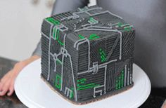 "rosannapansino: "" Borg Cube Cake - Video [ LINK ] "" must save this for the future when i am crafty and have actual time and patience"