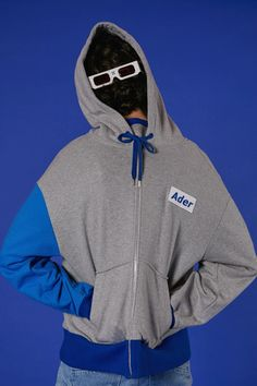 Basic zip-up hoodie styling #ader #adererror #design #wit #styling #minimal #simple #basic #contemporary #grey #blue