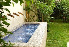 Resultado de imagem para bica de agua para jardim
