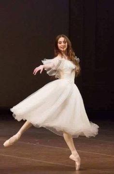 Svetlana Zakharova. #Ballet_beautie #sur_les_pointes  *Ballet_beautie, sur les pointes !*