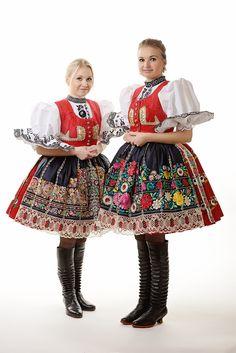 Czech folk costumes Native Wears, Prague, Costumes Around The World, Folk Clothing, Folk Festival, Folk Fashion, Folk Costume, Traditional Dresses, Dance Wear