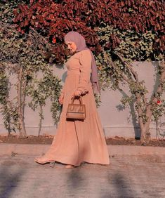 21+ Cute Hijab Fashion Outfits That Can Be Worn With Hijab This Summer For A Chic And Casual Look- Image Credit:@fatiyass.official - Read This Post To Put Inspiration Into Your Summer Wardrobe - Hijab Fashion Summer Dress - Casual Hijab Dress - Muslimah Fashion Outfits - Oversized Shirts -Modest Hijabi Outfits - Hijab Outfit Summer - Modest Outfits Muslim - Modest Dresses Muslim - Modest Fashion Muslimah - #hijab #modestfashion #hijabdress #hijabfashion #summerhijab #hijaboutfit…