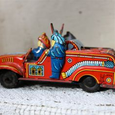 Vintage 1940s tin litho fire truck - Japan