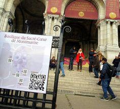Le Sacre Cour et le Smart Phone - Montmartre, Paris - NOV 2014.