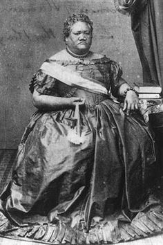 Princess Ruth Luka Keanolani Kauanahoahoa Ke'elikōlani of Hawai'i. She gave offerings to Péle during Lili'u's Regency Hawaiian Dishes, Hawaiian Art, Women In History, Black History, Hawaiian Monarchy, Hawaiian Islands, People Of The World, South Pacific, Princess
