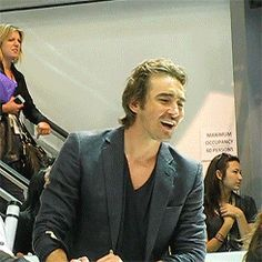 Lee Pace signing autographs at SDCC 2014.