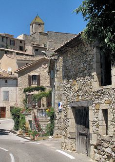 Petit village d'Aurel, France
