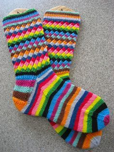 Wool Socks, Knitting Socks, Hand Knitting, Knitting Patterns, Ravelry, Knit Stockings, Crazy Socks, Crochet Slippers, Sock Yarn