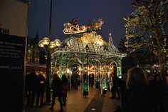 On the front of the imposing City Hall in Hamburg, the probably most popular Christmas market in Hamburg is located. Nostalgia and intense sociability.