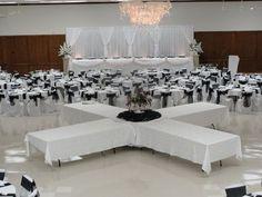 Wedding Table Setup, Reception Table, Wedding Reception, Wedding Ideas, Ideas De Catering, Catering Display, Catering Buffet, Buffet Set Up, Table Set Up