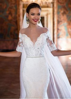 Glamorous Tulle & Satin Bateau Neckline Mermaid Wedding Dresses With Lace Appliques