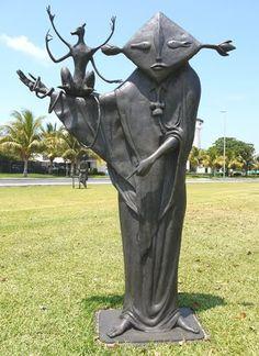 nigromante - leonora carrington - 2008  - escultura