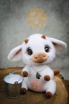 Made from natural sheep wool in the needle felting. Julia has a movable head, inside the glass granulate, which gives her a pleasant weight and stabi Baby Animals Super Cute, Cute Stuffed Animals, Cute Little Animals, Adorable Animals, Cow Toys, Baby Cows, Cute Cows, Gifts For Pet Lovers, Felt Toys
