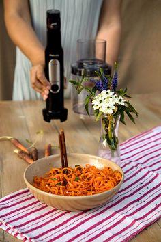 SALATA COREEANA DE MORCOVI | Diva in bucatarie Linguine, Table Decorations, Diet, Salads
