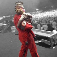 Corey with Paul Gray's daughter (RIP Paul Gray. Rock Y Metal, Nu Metal, System Of A Down, Heavy Metal Music, Heavy Metal Bands, Radiohead, Music Love, My Music, Slipknot Band