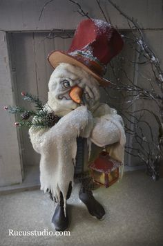 A snowman by artist Scott Smith of Rucus Studio. Photo Courtesy of: Scott Smith/Rucus Studio. Primitive Santa, Primitive Christmas, Christmas Snowman, Christmas Crafts, Christmas 2017, Xmas, Halloween Doll, Halloween Crafts, Halloween Decorations