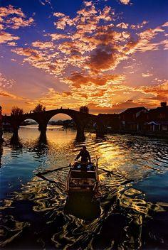 sunset boat ride.