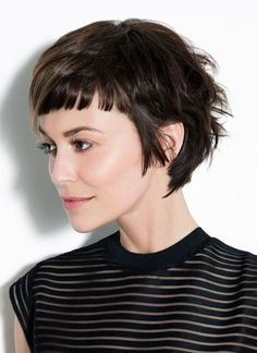 The latest hairstyles for short 'Baby' bangs come hot from the red carpets of New York and L. It's a fab new trend - so choose your best baby bangs here! Short Haircuts With Bangs, Blonde Haircuts, Short Hair With Bangs, Long Bangs, Hairstyles With Bangs, Short Hair Styles, Thin Hair, Haircut Short, Pixie Hairstyles