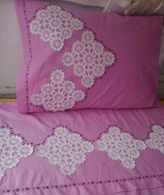 bakıcam Débardeurs Au Crochet, Crochet Motifs, Crochet Stitches, Crochet African Flowers, Bedclothes, Bargello, Crochet Designs, Bed Covers, Linen Bedding