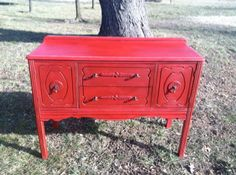 Painted in antique red. Furniture Redo, Vintage Furniture, Furniture Ideas, Vintage Style, Vintage Fashion, Vintage Buffet, Antique Wax, Annie Sloan Paints, Vintage Dressers