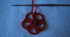 Buona serataa tutti !!! Come promesso oggi vi posto il tutorial della piccola stella di Natale. Vi anticipo che probabilmente la mia macc... Angelo, Stella, Crochet Necklace, Crochet Blankets, Home Decorations