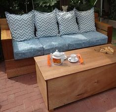 diy modern outdoor sofa with diy outdoor storage coffee table Furniture, Coffee Table With Storage, Diy Outdoor Seating, Diy Storage Bench, Diy Coffee Table, Home Decor, Diy Outdoor Table, Diy Furniture Bedroom, Outdoor Sofa