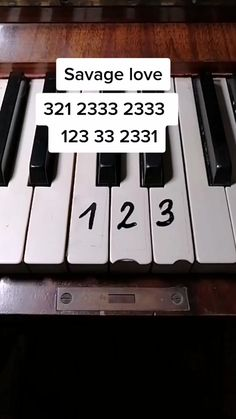 Piano Music Easy, Piano Music Notes, Piano Sheet Music, Piano Lessons, Music Lessons, Keyboard Lessons, Es Der Clown, Piano Tutorial, Mood Songs