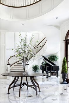 Grand Piano Foyer - Discover home design ideas, furniture, browse photos and plan projects at HG Design Ideas - connecting homeowners with the latest trends in home design & remodeling Foyer Design, Design Entrée, Decoration Design, House Design, Interior Architecture, Interior And Exterior, Interior Design, Interior Ideas, Modern Interior